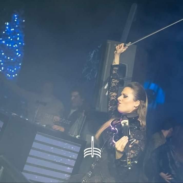OLivia AR Violinista