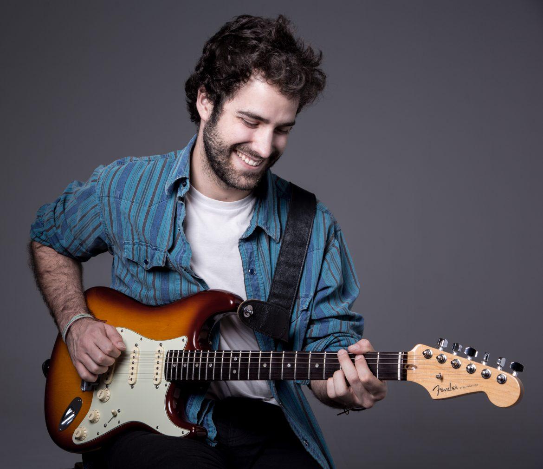 Javier Suárez, Guitarrista