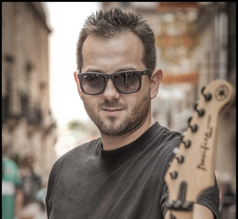 Joaquín Alguacil, Guitarrista