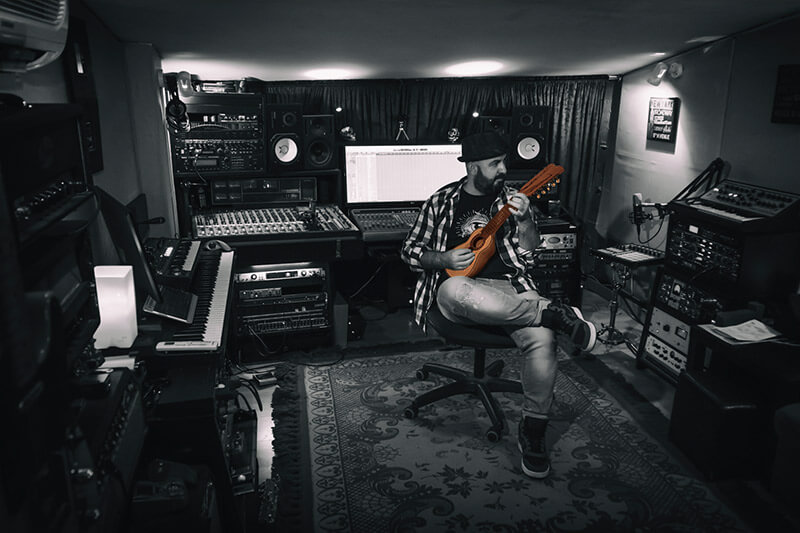 Tato Latorre, Productor y Guitarrista