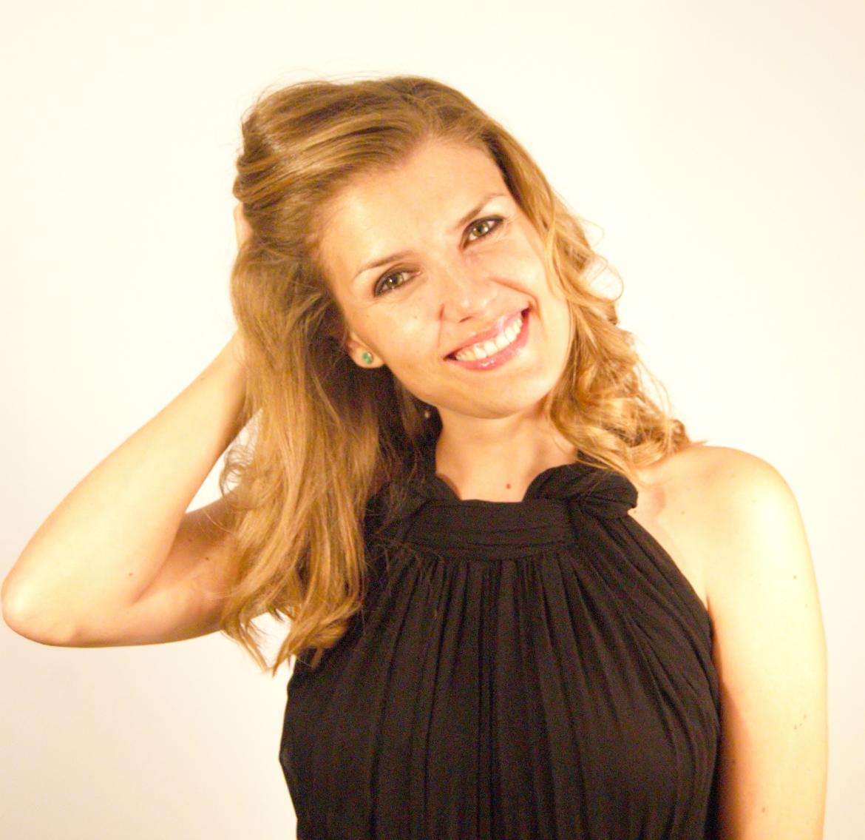 Rebeca Cardiel, Cantante