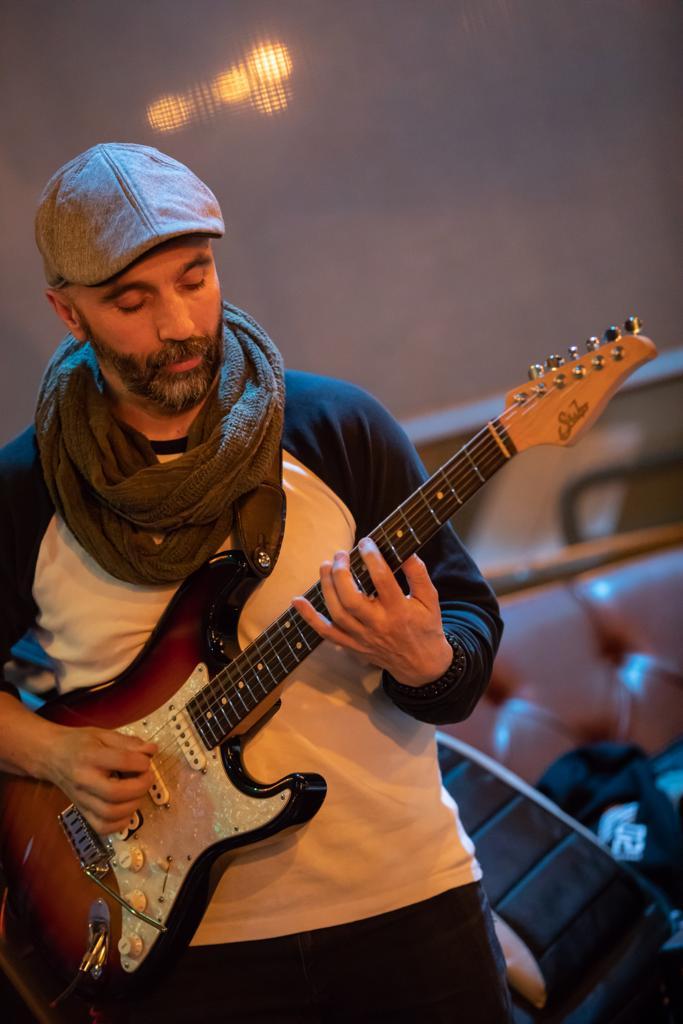 Richie García, Guitarrista