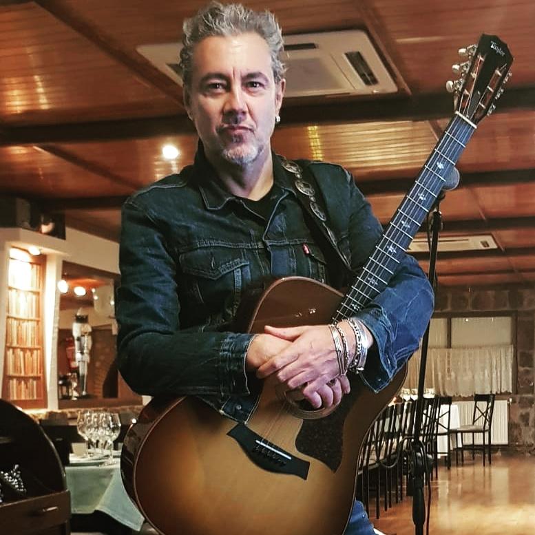 José Bulevar, Cantante