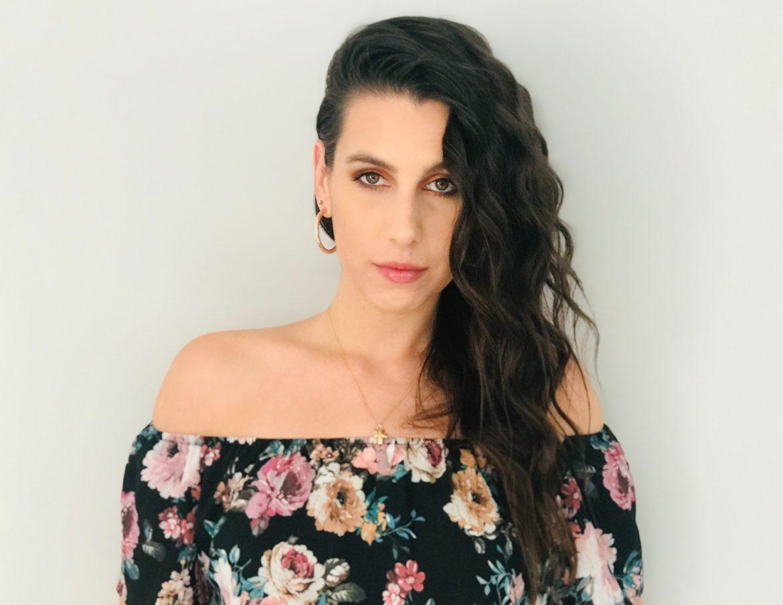 Lorena Elle, Cantante