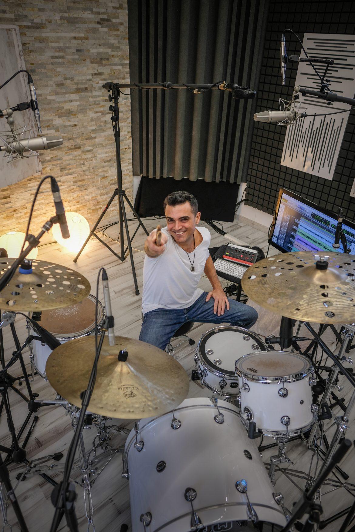 Toni Mateos, Batería
