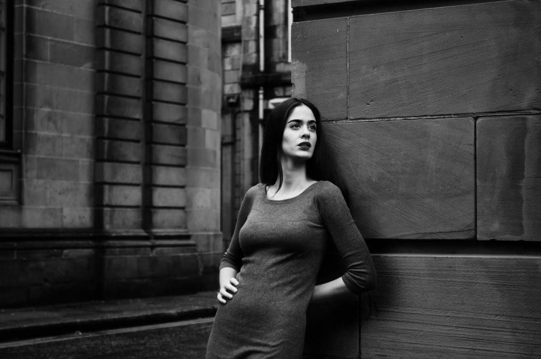 Clara Lorenzo, Cantante, violinista y compositora