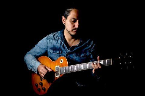 Sergio Rivas, Guitarrista