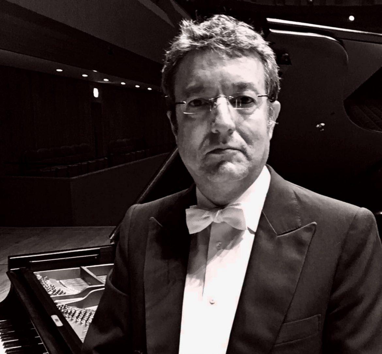 Gerardo López Laguna, pianista